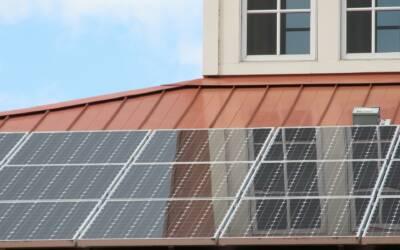 Vad är solenergi och hur fungerar det?
